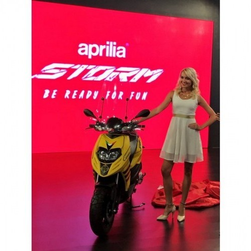 Aprilia Storm 125cc Yellow Color Front View