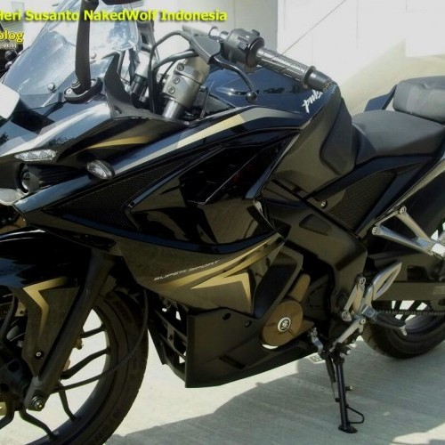 Bajaj Pulsar Rs200 Black Colour Front Headlamp