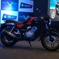 Bajaj V15 Color Black Red