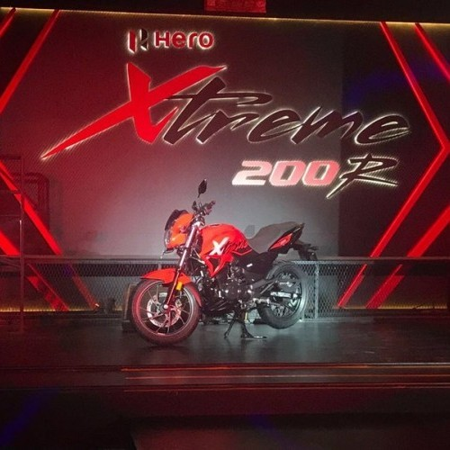 Xtreme 200R Sporty Look