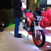 Hero Xtreme 200 Sports Front View