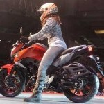 Honda Cb Hornet 160R With Girl