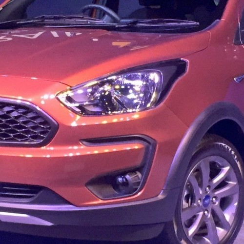 Ford Freestyle Heead Light