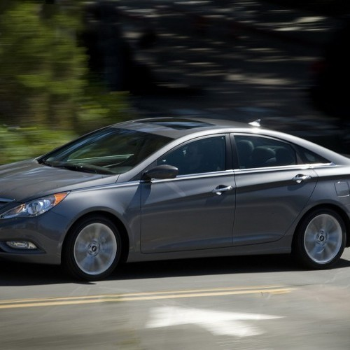 hyundai sonata price review pictures specifications mileage in india. Black Bedroom Furniture Sets. Home Design Ideas