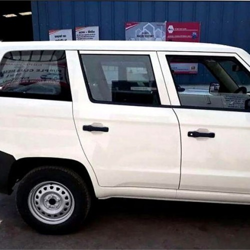 Mahindra Tuv 300 Plus Side View