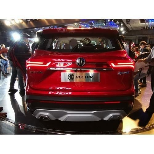 Mg Hector Launching Stills Back View
