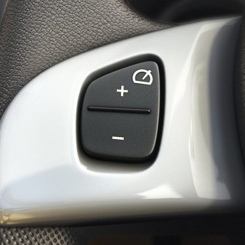 Renault Lodgy Interiors Steering Mounted Audio Controls