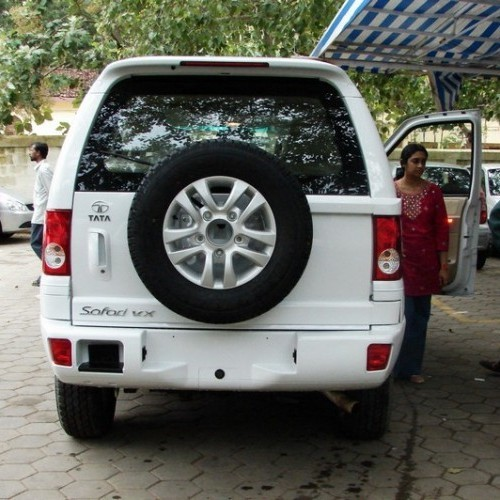 tata safari price review pictures specifications mileage in india. Black Bedroom Furniture Sets. Home Design Ideas