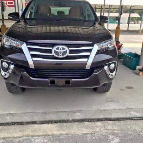 2016 Toyota Fortuner Spy Front View