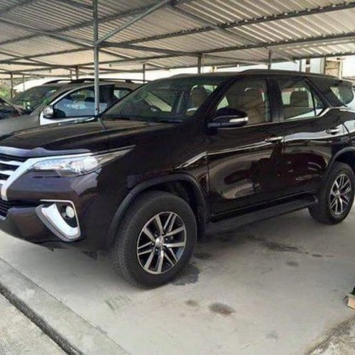 2016 Toyota Fortuner Spy Side View