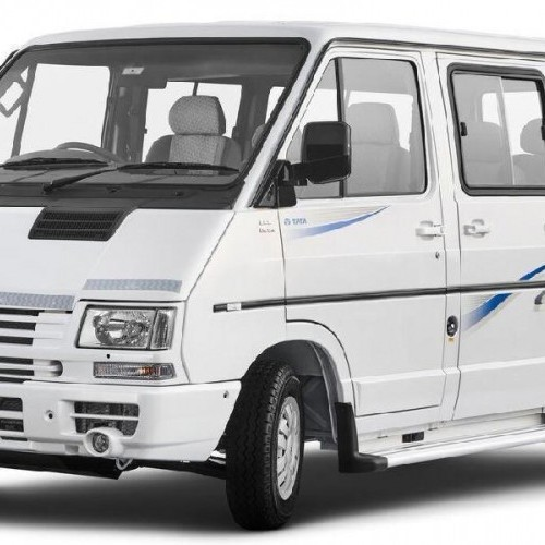 Tata Winger Deluxe Image 2