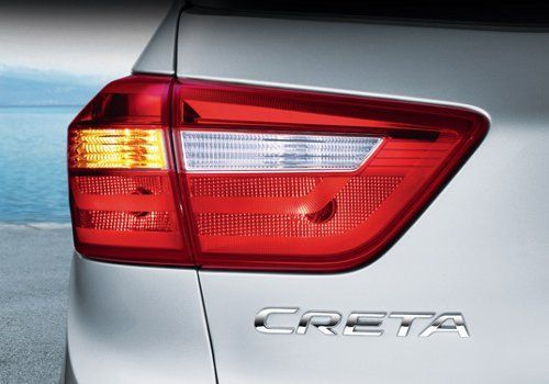 Sleek and premium Split-type tail lamps