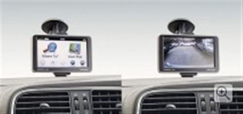 Navigation System With Bluetooth